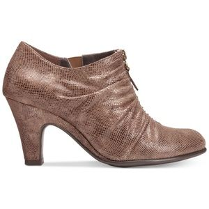 AEROSOLES Jalapeño Ankle Bootie Taupe Gold Shimmer